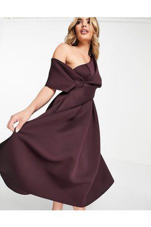 ASOS DESIGN Mulher Vestidos de Festa - Bare shoulder prom midi dress in aubergine-Purple
