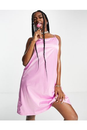 adidas Mulher Vestidos Casual - 2000s Luxe' satin dress in pink with diamante logo