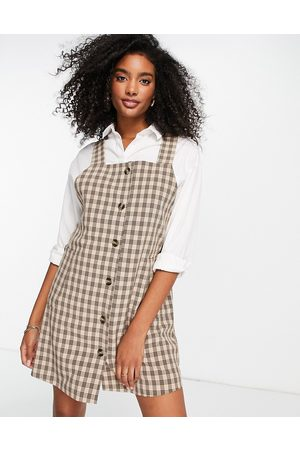 VILA Mulher Vestidos Estampados - Dungaree mini dress with button front in check print-White