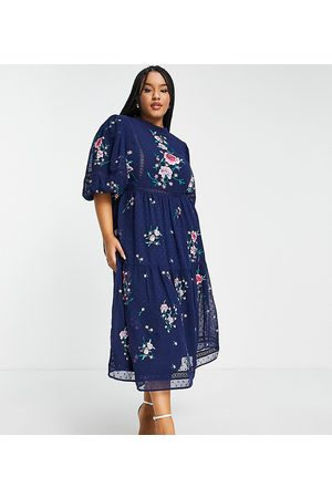 ASOS Mulher Vestidos de Festa - ASOS DESIGN Curve high neck dobby embroidered midi dress with lace trims in navy