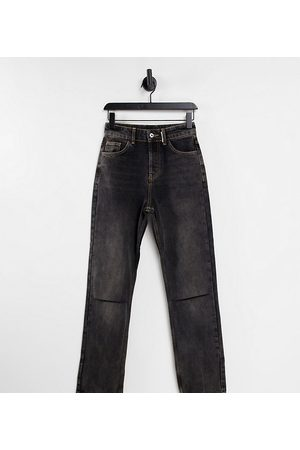COLLUSION X000 Unisex 90's fit straight leg jeans with knee rip in washed black
