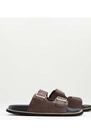 Truffle Collection Homem Sandálias - Wide fit faux leather buckle sandals in brown