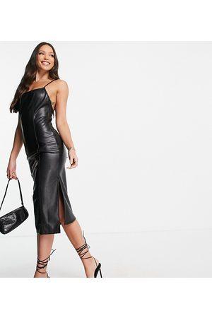 4th & Reckless Tall Mulher Vestidos de Festa - Leather look open back midi dress in black