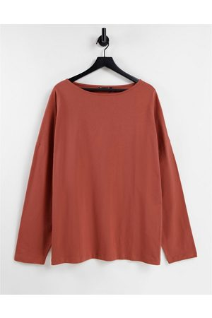 ASOS Oversized long sleeve t-shirt with boat neck in washed red-Pink
