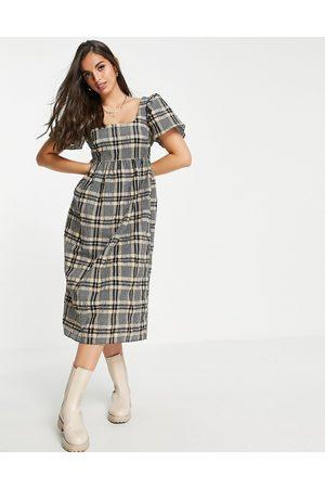 Miss Selfridge Mulher Vestidos Casual - Puff sleeve midi dress in seersucker check-Brown