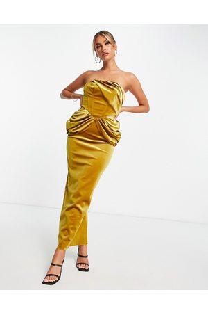 ASOS Mulher Vestidos de Festa - Velvet bandeau drape midaxi dress in gold