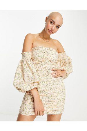Miss Selfridge Mulher Vestidos Casual - Ruched bardot mini dress-Pink