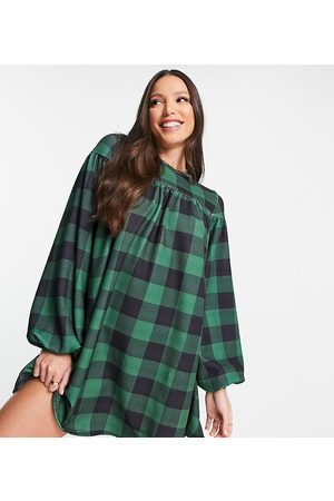 ASOS Mulher Vestidos Casual - ASOS DESIGN Tall oversized long sleeve smock dress with tie back in large green gingham print