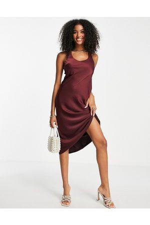 ASOS Mulher Vestidos de Festa - Bias cut midi dress with scoop back in satin twill-Red