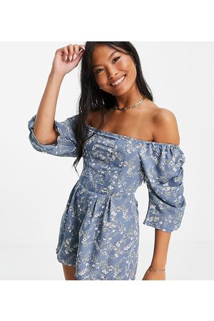 Missguided Ditsy floral playsuit in blue