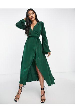 ASOS Mulher Vestidos de Festa - Bias cut satin wrap dress with tie waist in forest green