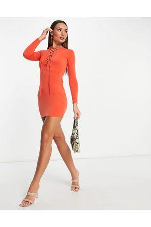 Flounce London Mulher Vestidos de Festa - Bodycon mini dress with lace up front detail in burnt orange