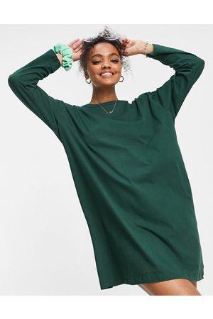 ASOS Mulher Sweatshirts de Manga larga - Oversized long sleeve t-shirt dress in forest green