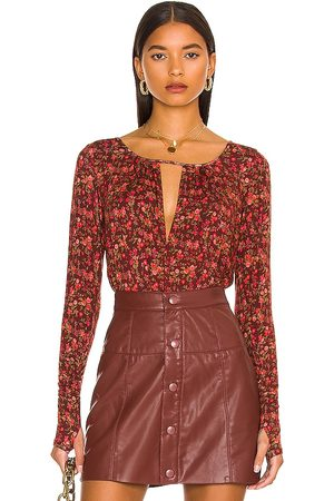 Free People Mulher Bodies interiores - Kaya Printed Bodysuit in - Burgundy. Size L (also in M, S, XS).