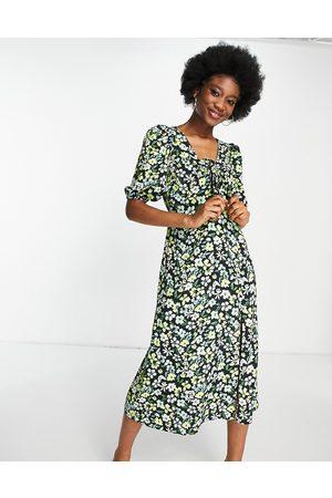 Miss Selfridge Mulher Vestidos Casual - Tie front midi dress in green floral