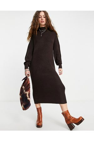 ONLY Maxi knitted dress in chocolate brown