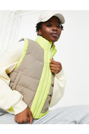 JJXX Padded contrast gilet in beige and yellow-Multi