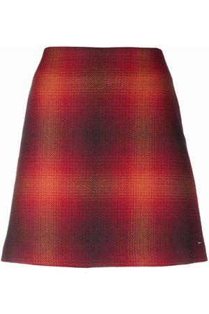 Tommy Hilfiger Mulher Saias Estampadas - Check-print wool skirt
