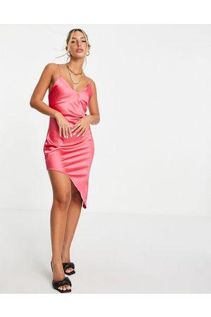 Flounce London Mulher Vestidos Assimétricos - Asymmetric satin midi slip dress in pink-Green