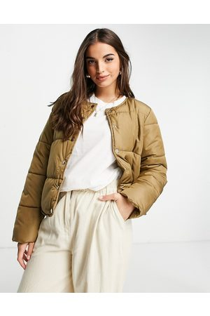 Pieces Recycled blend cropped padded jacket in camel-Neutral