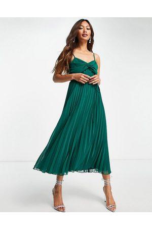 ASOS Mulher Vestidos de Festa - Twist front pleated cami midi dress with belt in forest green
