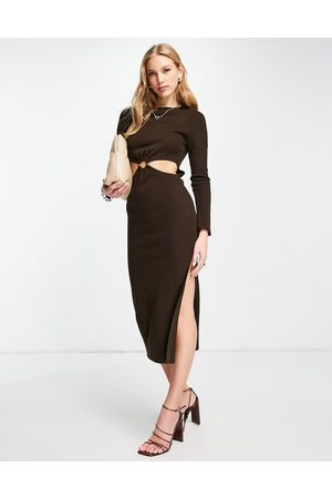 ASOS Mulher Vestidos de Malha - Knitted midi dress with ring waist detail in brown