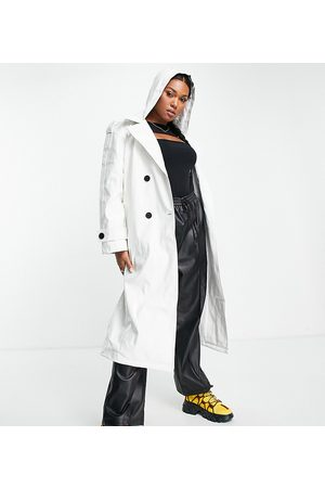 ASOS ASOS DESIGN Curve glossy patent hooded trench coat in cream-White