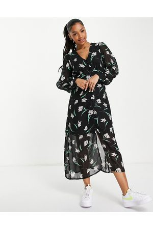New Look Puff sleeve button through midi dress in black floral