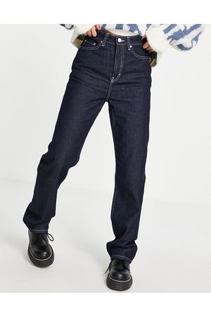 Weekday Mulher Retos - Rowe recycled cotton straight leg jeans in Rinse blue love dark wash