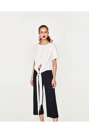 Senhora T-shirts & Manga Curta - Zara T-SHIRT NÓ À FRENTE - Disponível em mais cores